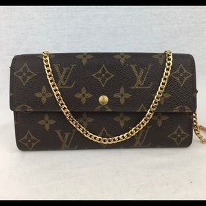 LOUIS VUITTON Monogramh Sarah Wallet on Chain
